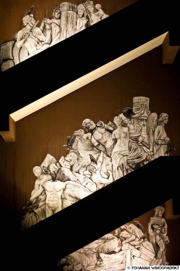streetart université de nanterre sous le streetart le louvre, oeuvre de levalet